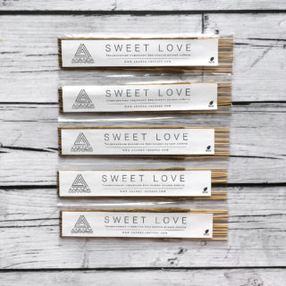 SWEET LOVE (НИТЬЯНАНДА)